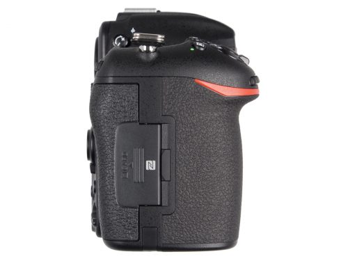 Nikon_D500_rightside