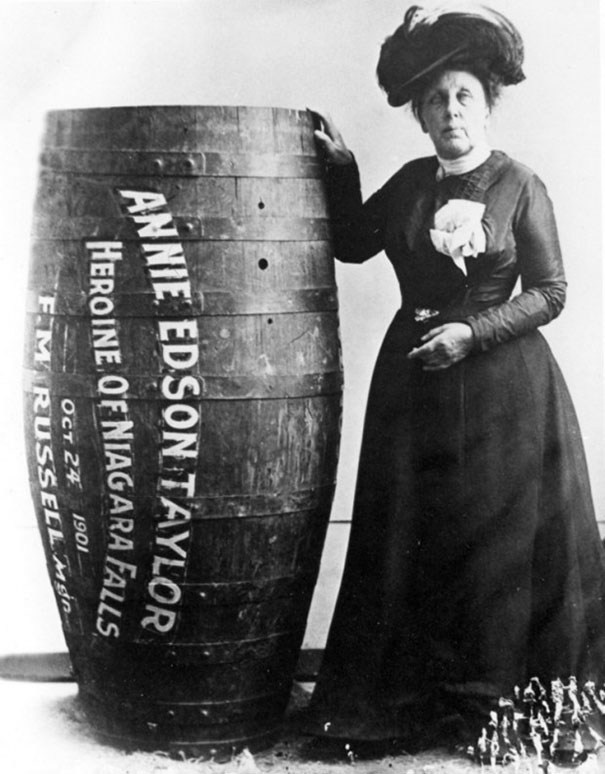 1901_Annie_Edison_Taylor_the_first_person_to_survive_going_over_Niagara_Falls_in_a_barrel