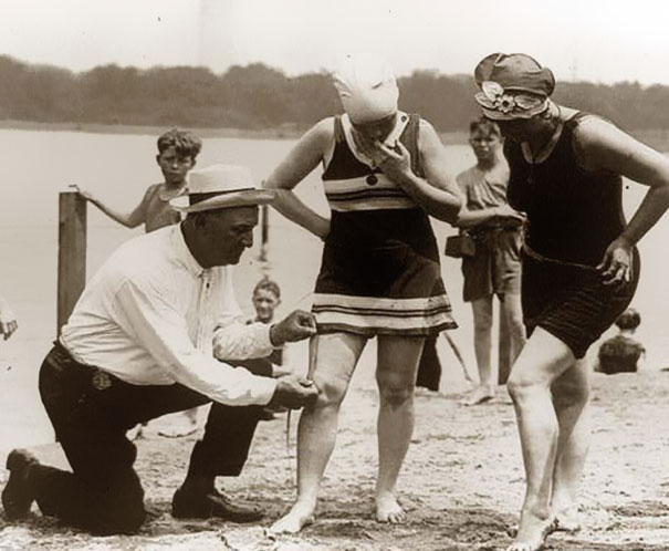 1920_Measuring_bathing_suits