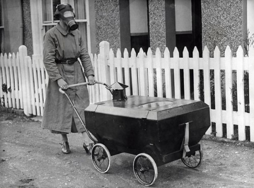 1938_Women_With_A_Gas-Resistant_Pram_England