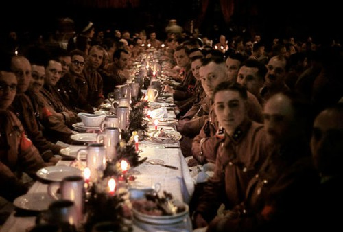 1941_Hitler's_officers_and_cadets_celebrating_Christmas