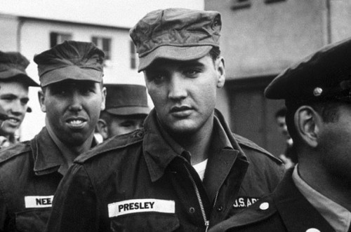 1958_Elvis_in_the_Army
